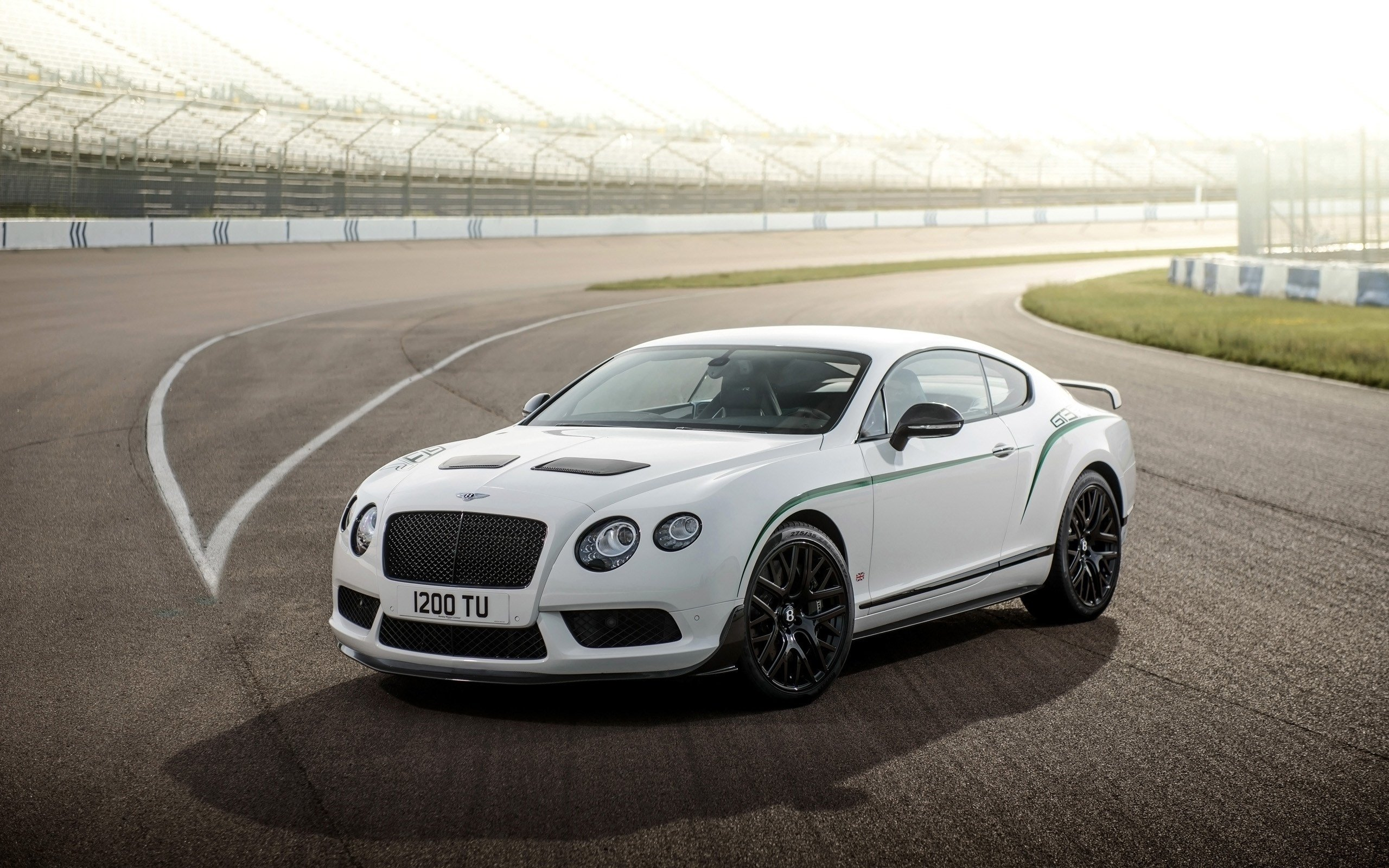 Latest 2015 Bentley Continental Gt3 R Wallpaper Hd Car Free Download