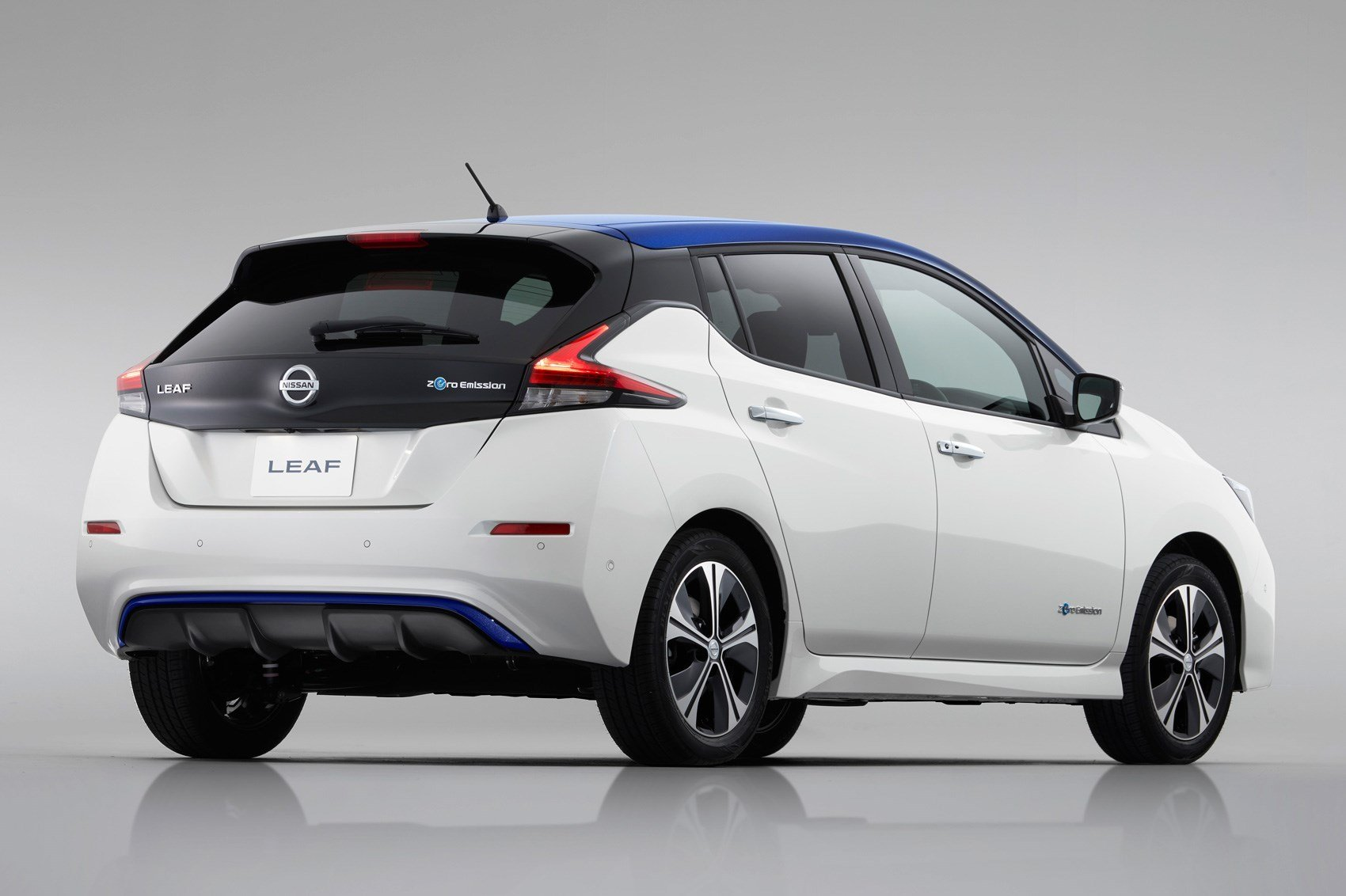 Latest New Nissan Leaf 2019 Model With 200 Mile Range Coming Free Download