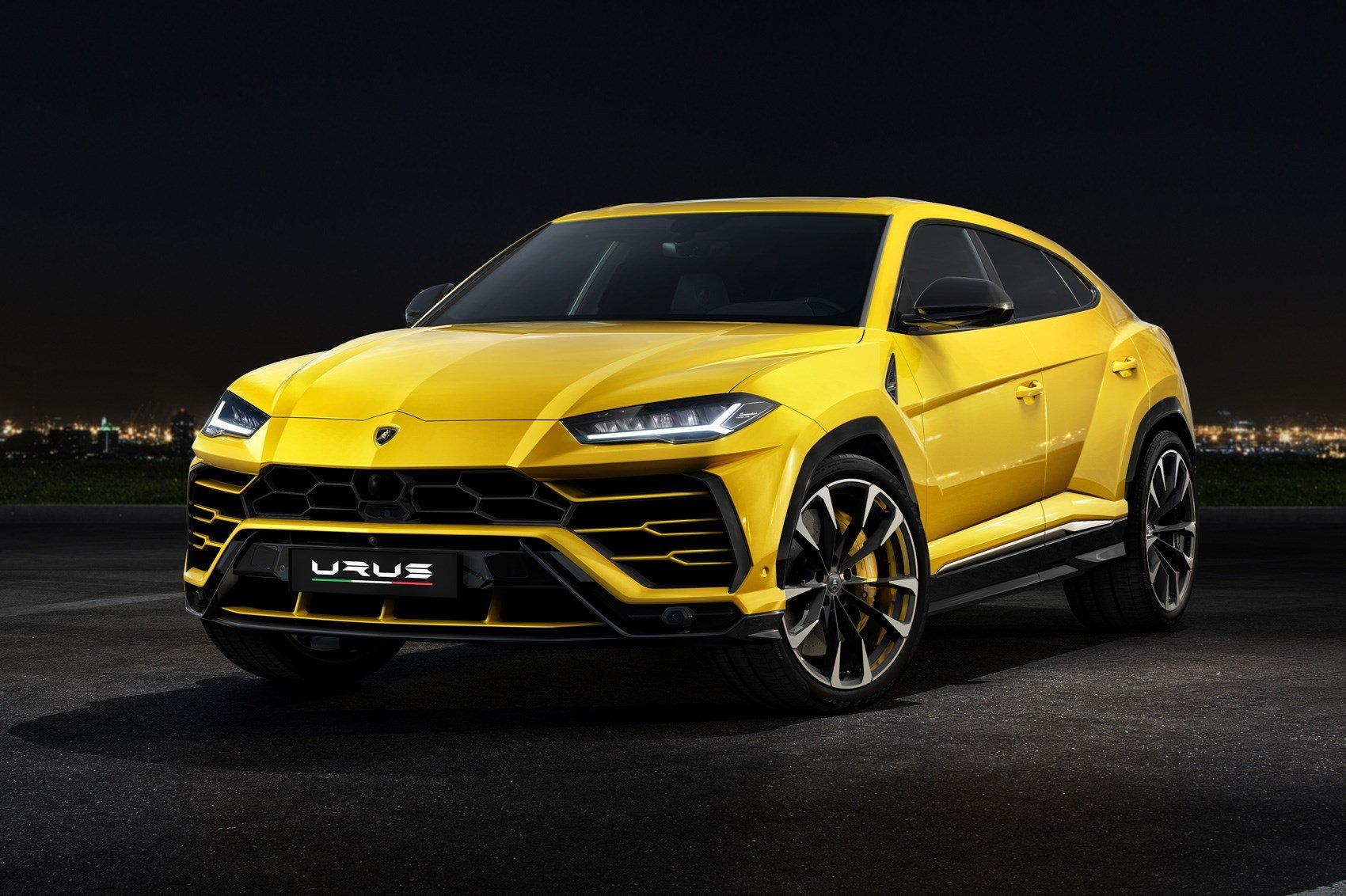 Latest Lamborghini Urus 2018 Suv Everything You Need To Know Free Download