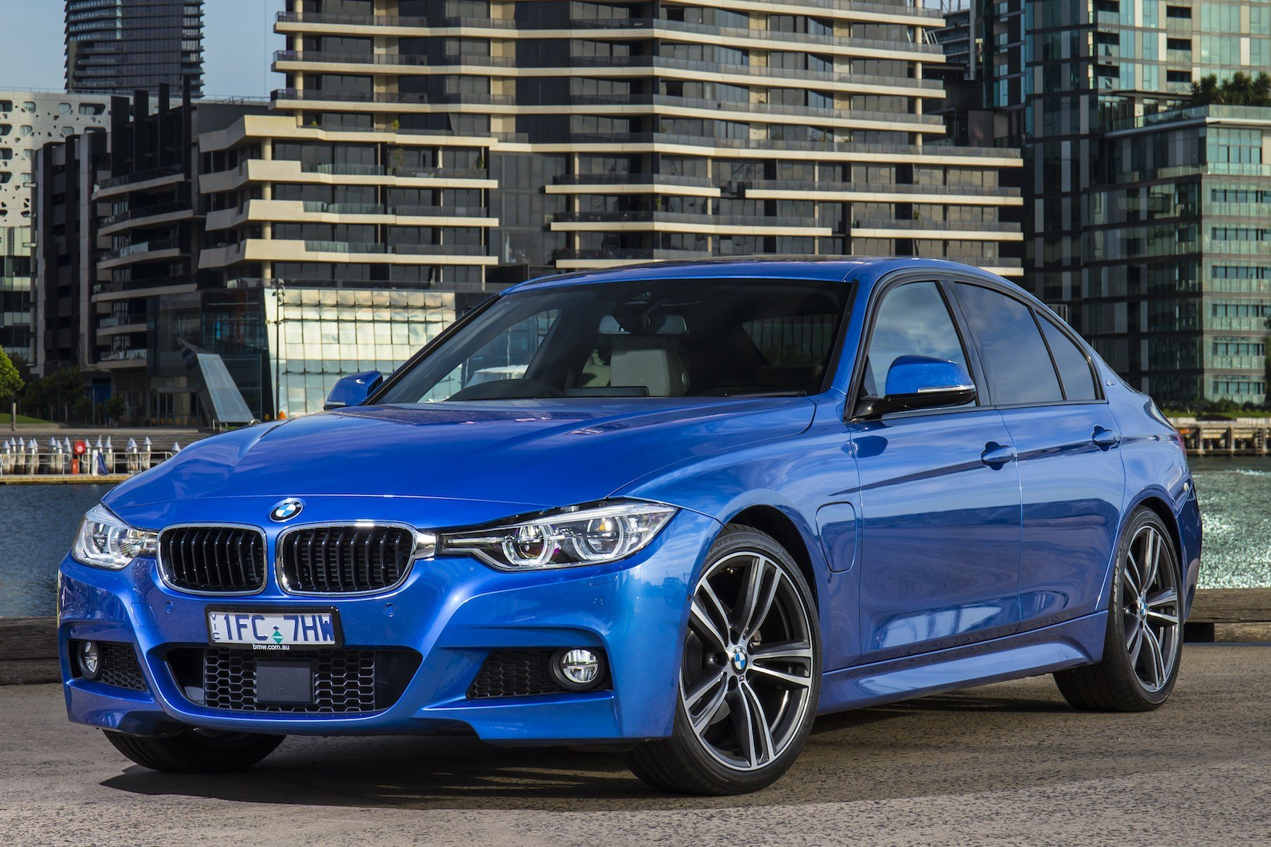 Latest 2016 Bmw 330E Plug In Hybrid Review Caradvice Free Download