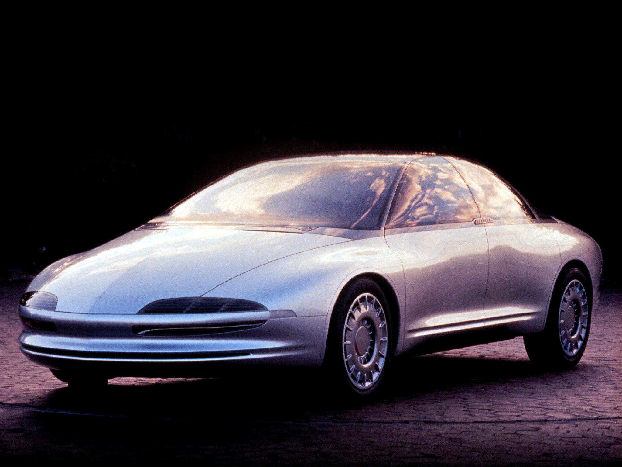 Latest Oldsmobile Tube Car Concept Free Download