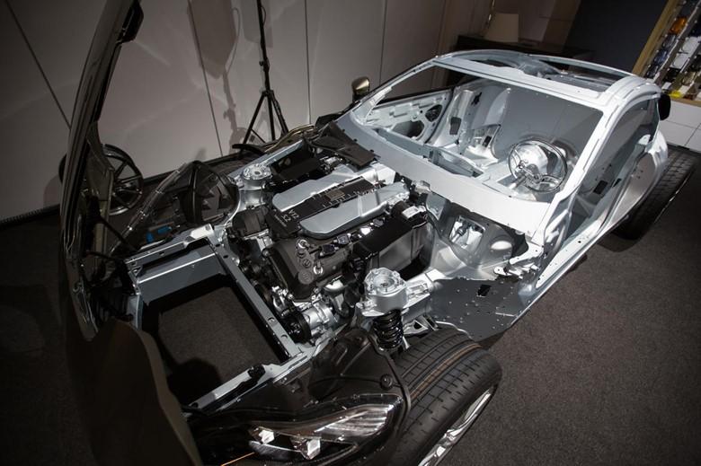 кузов нового Aston Martin DB11