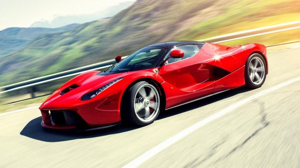 Итальянские суперкары Ferrari, фото