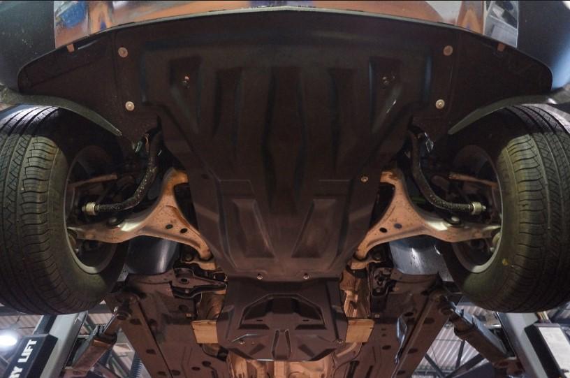 Карбоновая защита двигателя