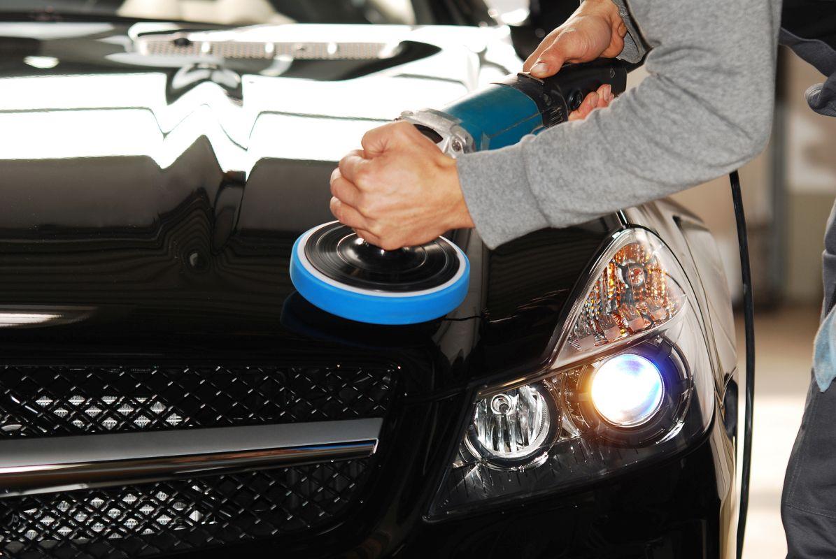 Polerowanie samochodu czarnego