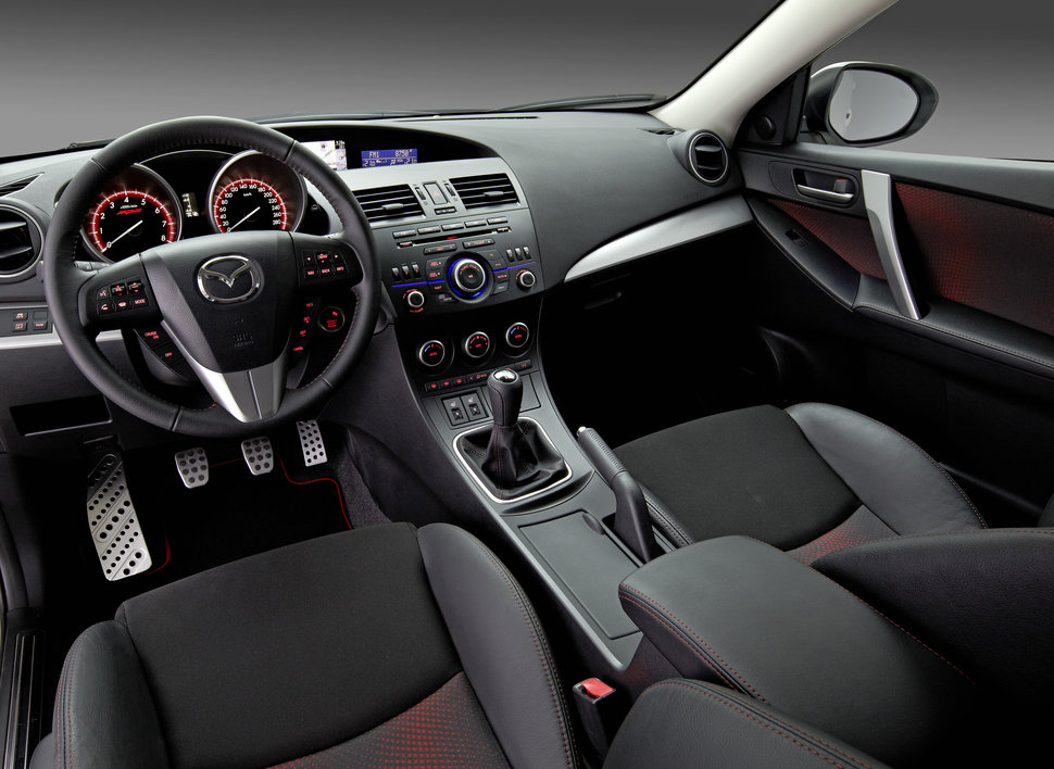 PHOTO RESTYLAGE MAZDA 3 MPS INTERIEUR