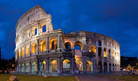 leje autocamper .Colosseum_in_Rome,_Italy_-_April_2007