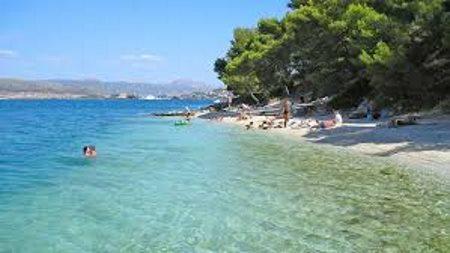 Leje autocamper Split, Kroatien beach