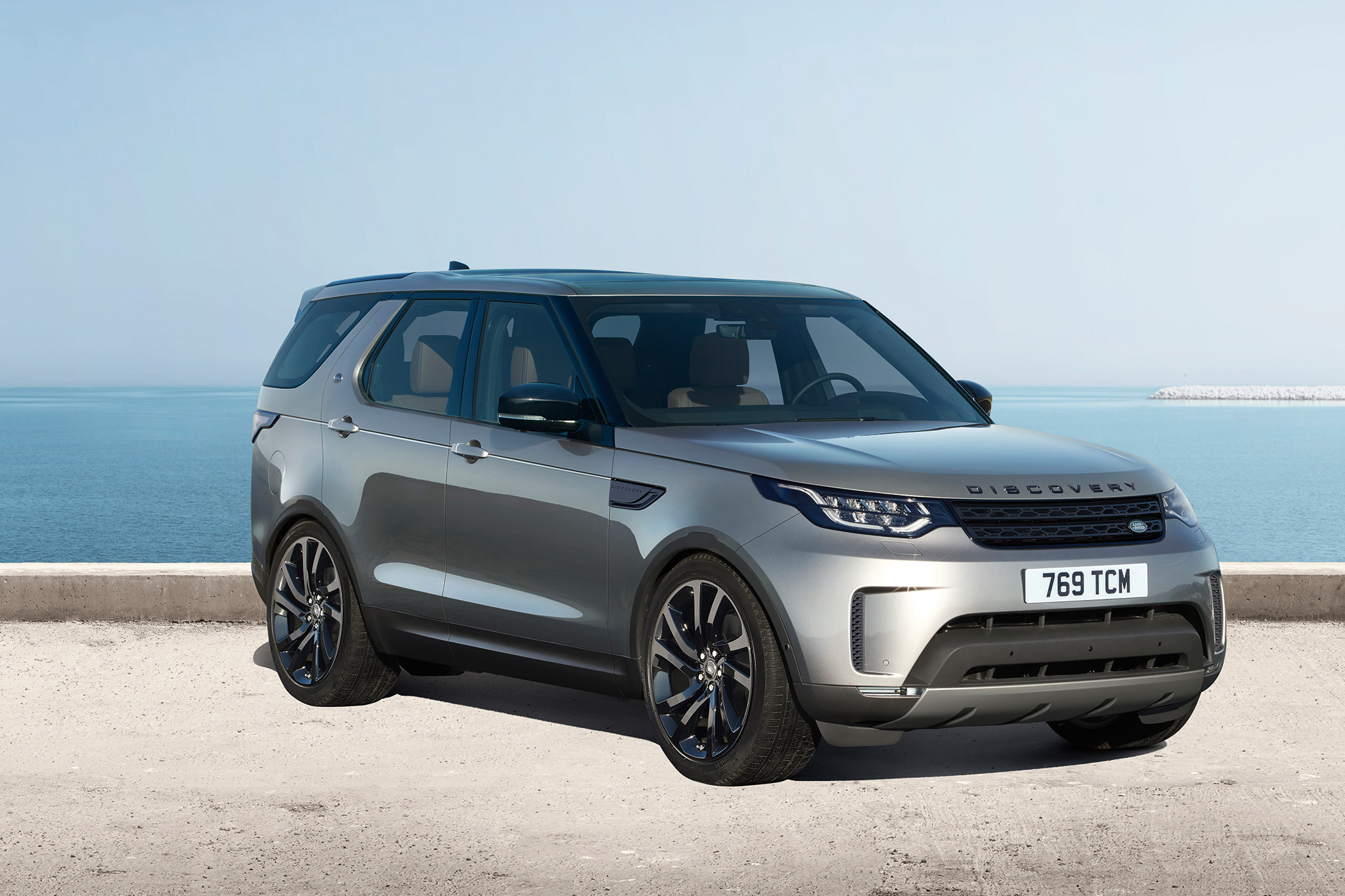 2017 Land Rover Discovery Take World Debut At The LA Auto Show