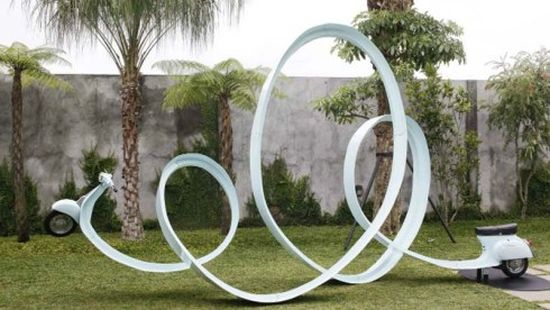Eddi Prabandono's multi-looped Vespa sculpture