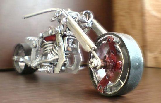Scale souvenir motorbike models 15