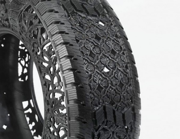 Wim Delvoye art on tires  1