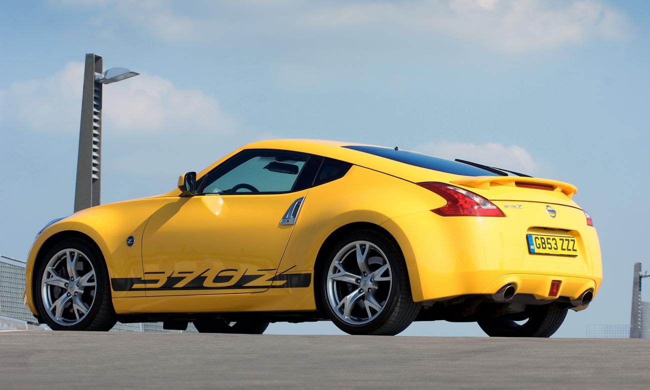 Nissan-370Z-Yellow-4