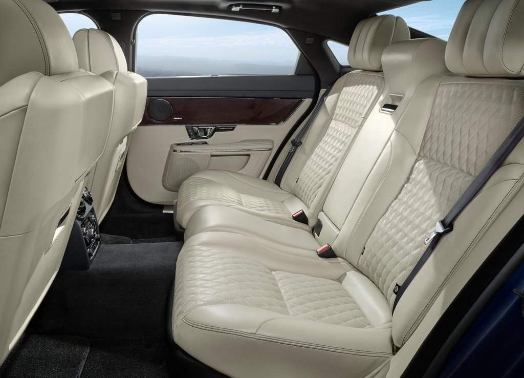 2016 Jaguar XJ L Interior rear seats