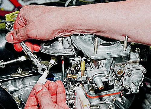 Karburátor nem kap benzint