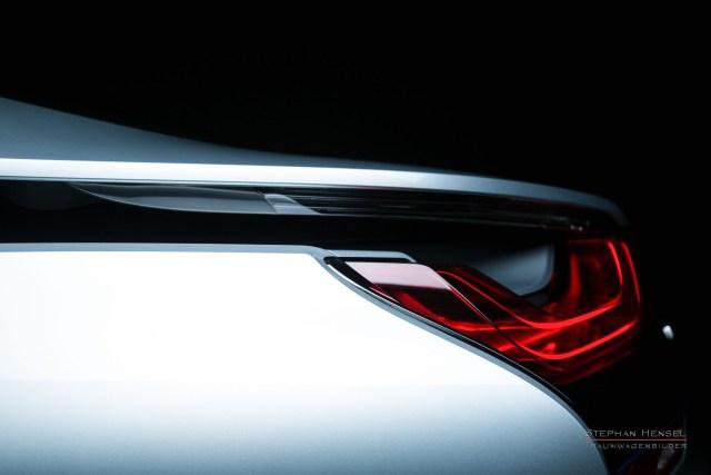 BMW i8, Detailansicht Kotflügel und Rückleuchte im Studio, Automobilfotograf: Stephan Hensel, Hamburg