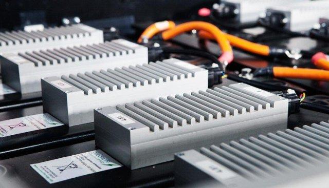 lithium-ion-battery-car-energy-density-740x425