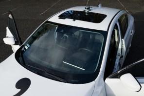 Взломщик первого iPhone создал автопилот для своей машины