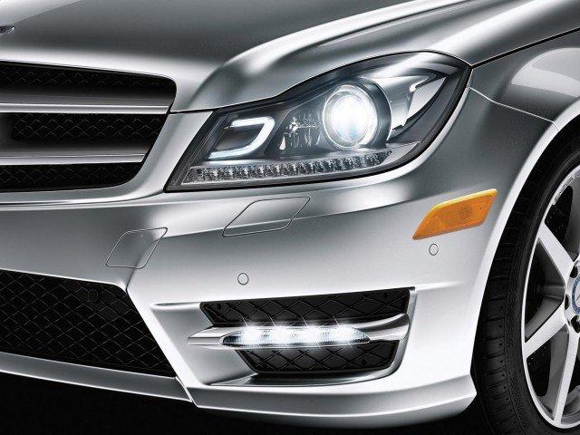 mercedes-c-class-coupe-bi-xenon-lights1