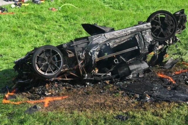 Дорогой тест-драйв: Ричард Хэммонд разбил электромобиль за $2 миллиона