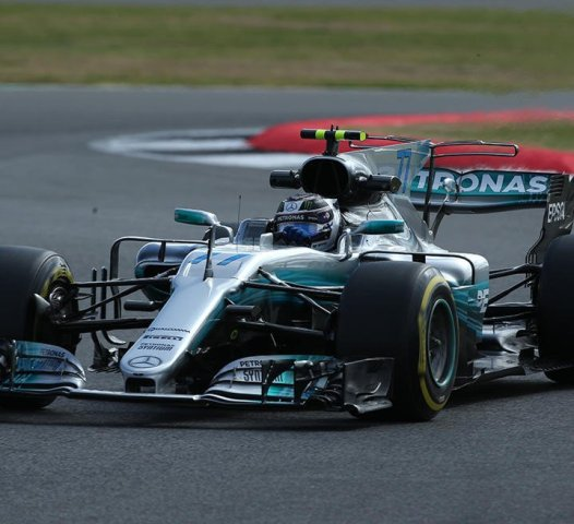 Команда Mercedes покинет легендарную гонку ради гонок на электрокарах