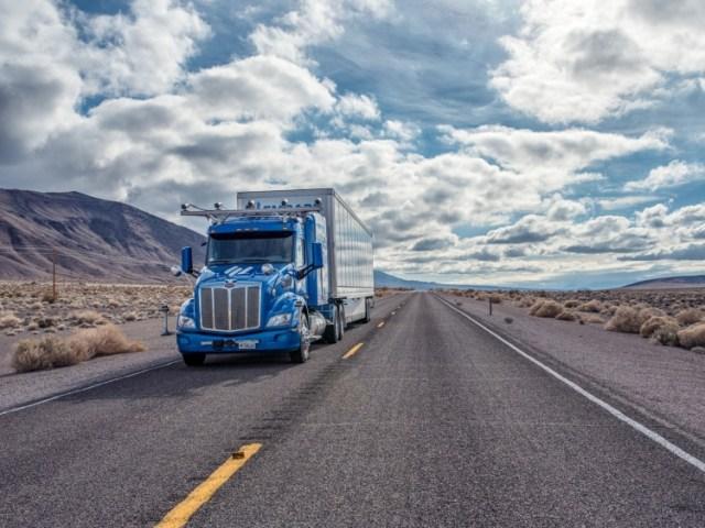 Беспилотные грузовики успешно прошли испытания на дорогах США