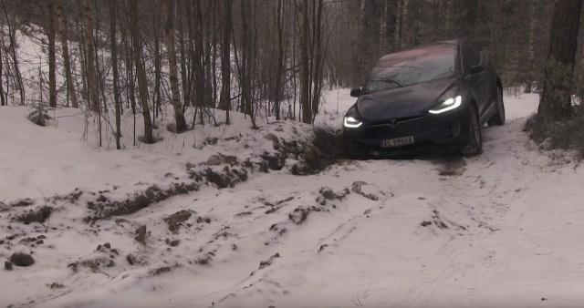 Tesla Model X не выдержал испытания норвежским бездорожьем