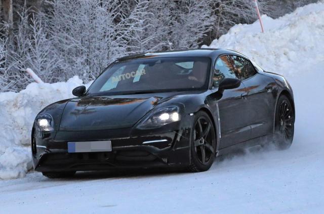 Porsche готовят линейку электромобилей на основе Mission E