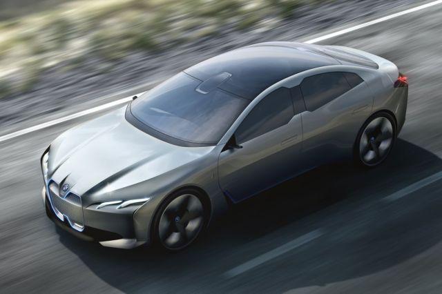 Флагманский электрокар от BMW получит 700 километров запаса хода