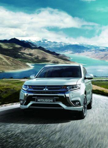 В Европе зафиксировали 100 000 проданных гибридов Mitsubishi Outlander PHEV