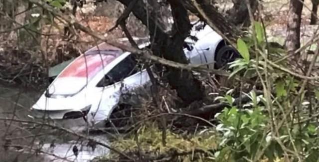 Tesla Model 3 впервые попала в крупную аварию