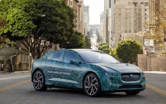 """Два экрана и 545 км на одном заряде: Jaguar рассказали о """"фишках"""" электрокара I-PACE"""