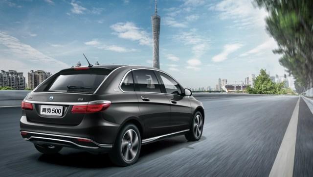 500 километров на одном заряде: Daimler и BYD представили электромобиль Denza