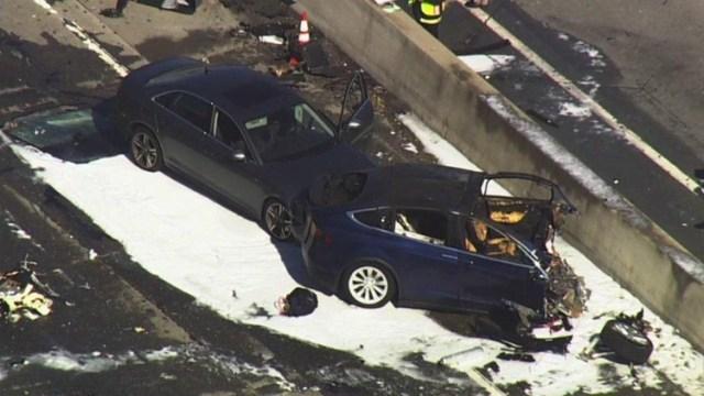 Сам виноват: погибший в ДТП водитель Model X ехал на автопилоте и не держался за руль