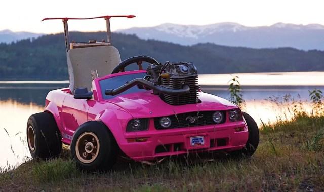 Видео дня: в машину для Барби поставили настоящий двигатель и разогнали до 110 км/ч