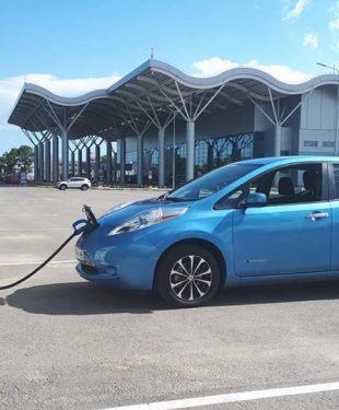 Первая в Одессе: сеть Toka установила скоростную зарядку на 50 кВт
