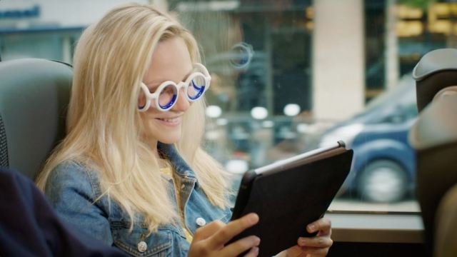 Seetroen: Citroen представил инновационные очки от укачивания