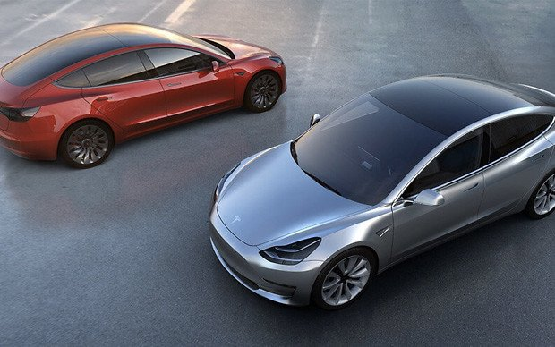 Эксперты назвали топ-5 лучших электромобилей 2018 года
