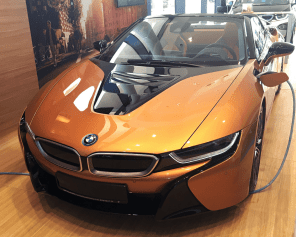 В Украине был замечен первый BMW i8 Roadster: фото
