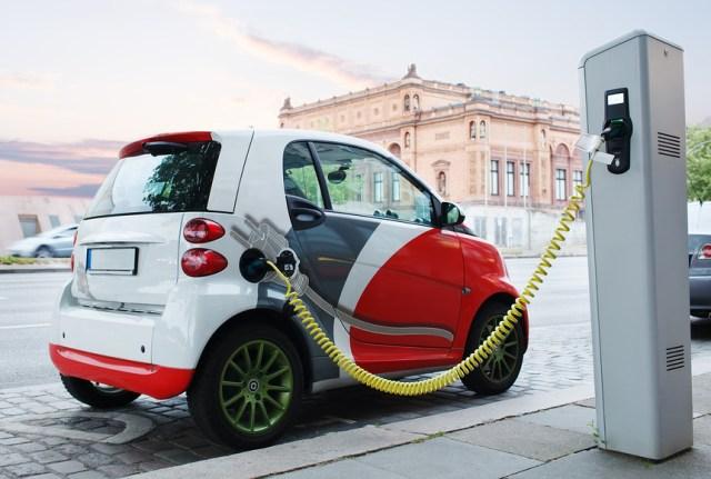 Омелян рассказал, как Украина может стать мировым центром по производству электромобилей