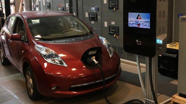 Революция: в США создали электрозаправку, которая мощнее, меньше и вдвое дешевле аналогов