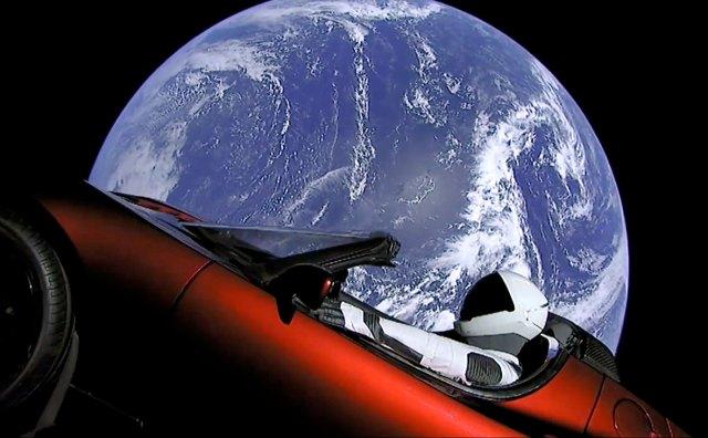 Hot Wheels выпустил копию космического Tesla Roadster Илона Маска