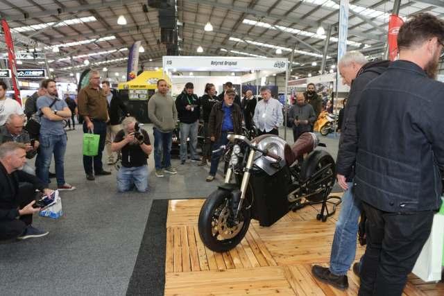 26-летний австралиец представил 80-сильный электробайк Savic Motocycles собственной сборки