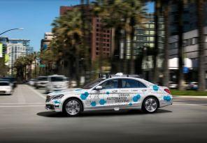 Bosch запустит в одном из городов сервис каршеринга и такси на беспилотных Mercedes