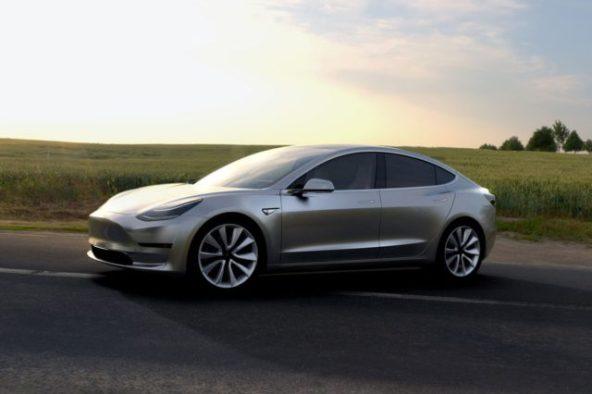 Владелец Tesla Model 3 хакнул ПО, смог установить в него Ubuntu и
