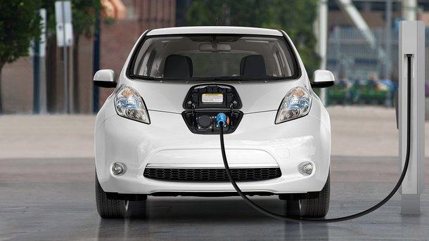 Льгот много не бывает: депутаты ВР хотят сделать электромобили еще дешевле