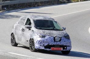 Фотошпионам удалось заснять обновленный Renault ZOE на тестах