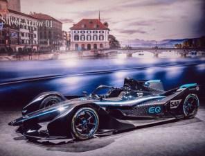 Mercedes-Benz показал первый полностью электрический гоночный автомобиль EQ Silver Arrow 01