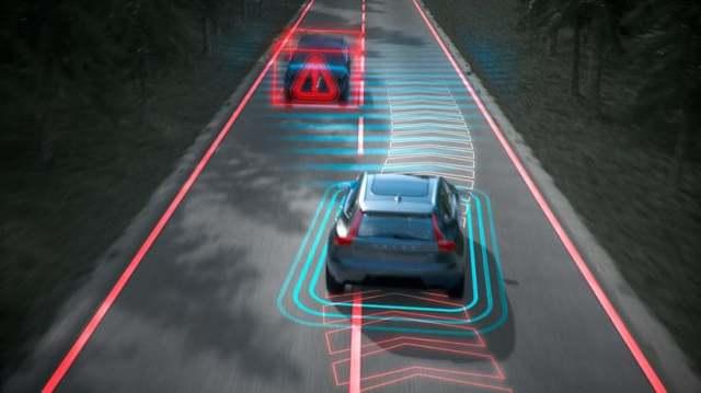 Volvo обновит ПО для систем безопасности в своих авто: что делать украинским владельцам?
