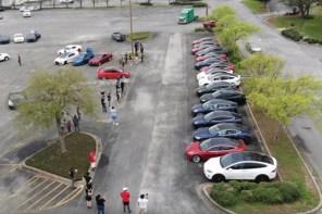 Видео дня: владельцы Tesla устроили показательные соревнования автопилотов